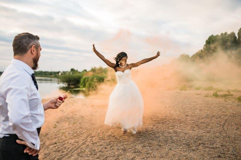 Trash the dress couple mixte Orleans place du martroi bord de loire